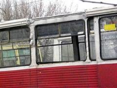 """Здесь дети забросали камнями трамвай 6 маршрута.  В...  """"Ребенка привезли в трамвайное депо 2, - добавил Иван..."""