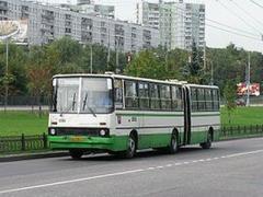 Маршрут 33 изменит схему движения из-за ремонта тепломагистрали по улице Мельковской.