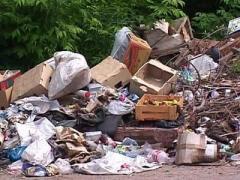 Это мусороперерабатывающий комплекс, который состоит из двух прессов, с помощью этого аппарата можно перерабатывать...