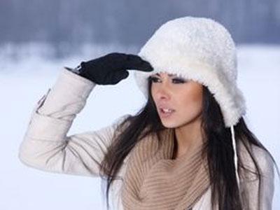 ...волосами зимой.  Фото Dash/Shutterstock.com Приход зимы по традиции...